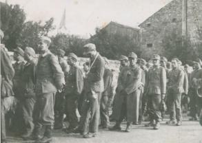 Soldats-tatars-prisonniers-à-Estivareilles.-photo-Collection-du-musée-dhistoire-du-20e-siècle